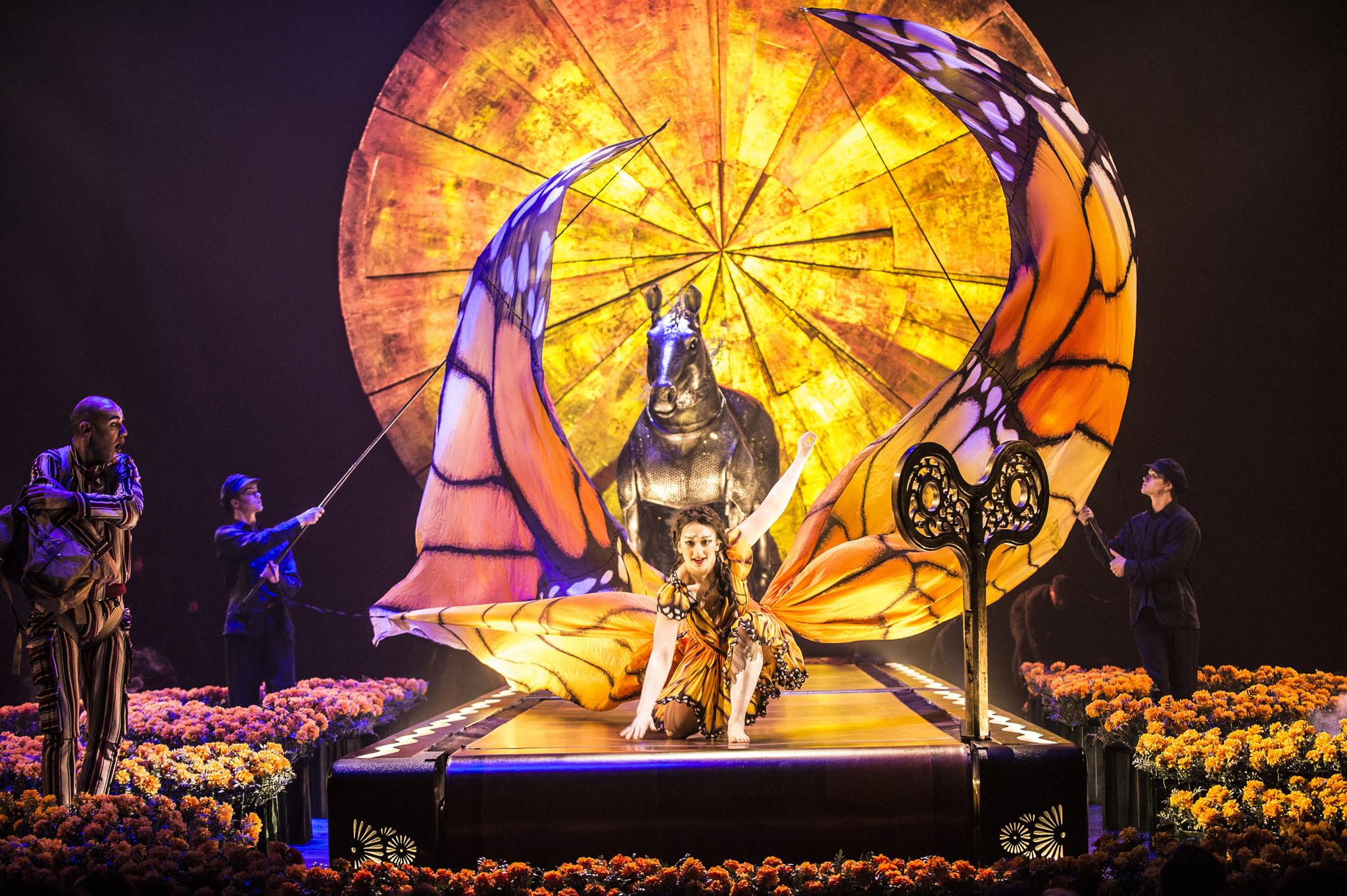 ct-cirque-du-soleil-chicago-luzia-20161128