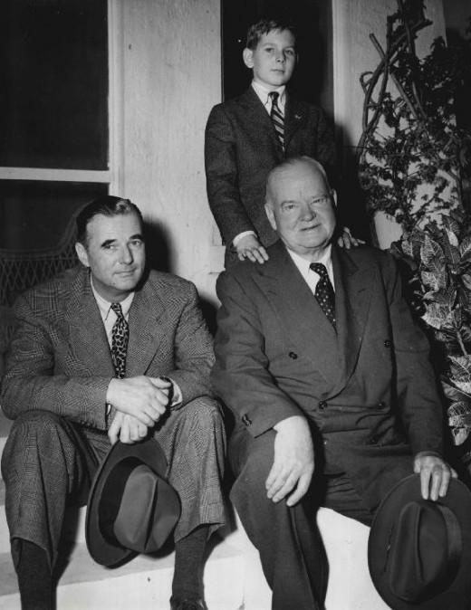 Экс-президент с сыном и внуком