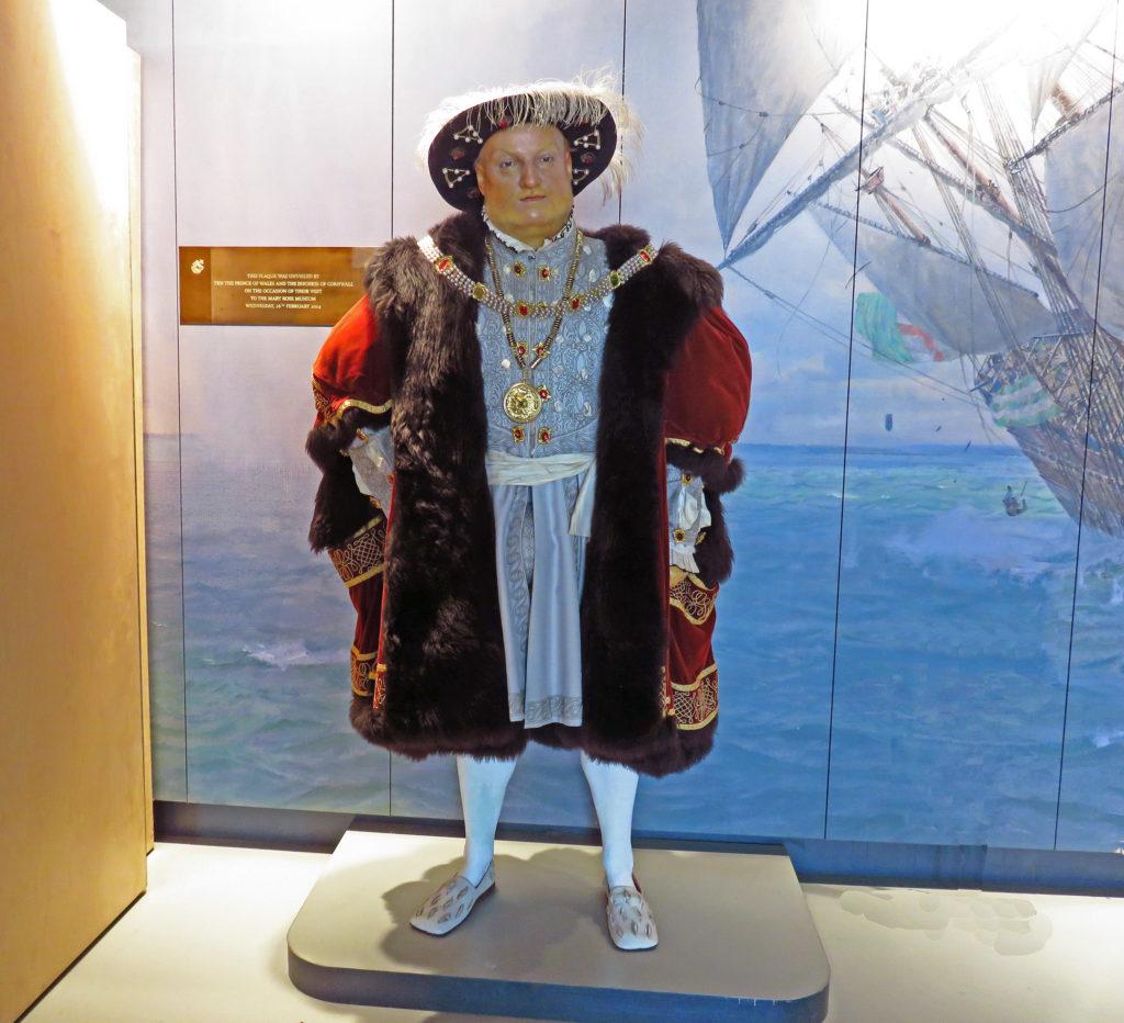 4. Henry VIII statue