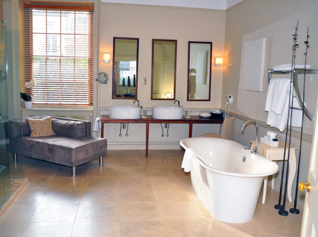 4. Queensberry Hotel bath