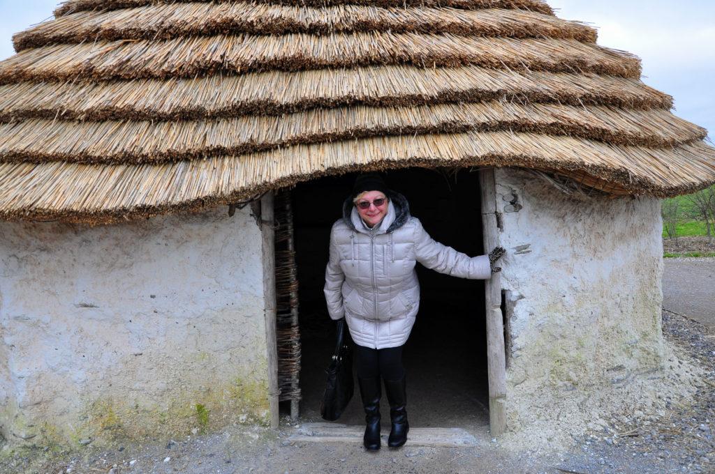 2. Neolitic huts near Stonehenge