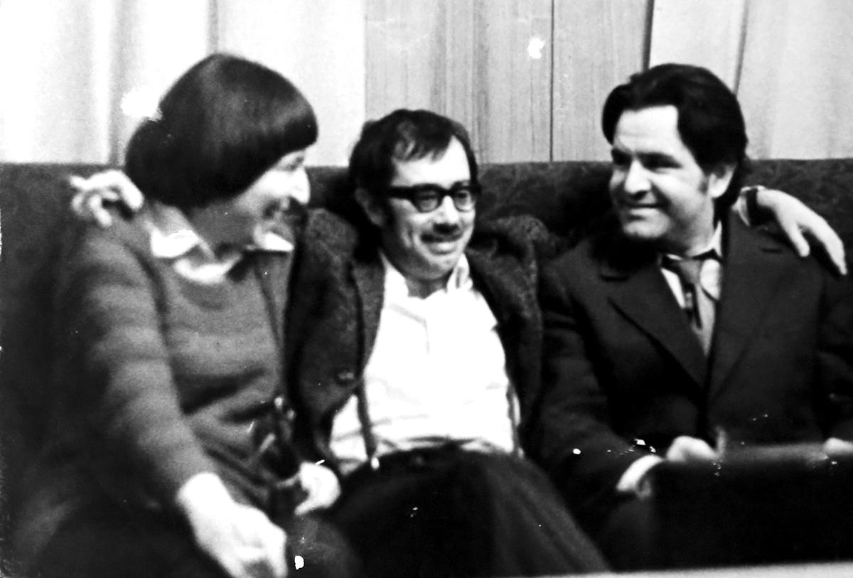 Юнна Мориц, Фазиль Искандер и Владимир Соловьев в Москве. 70-е. Архив Владимира Соловьева