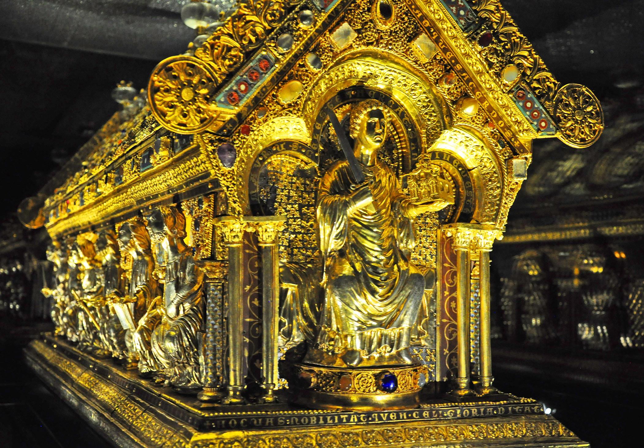 4. Reliquary of St Maurus