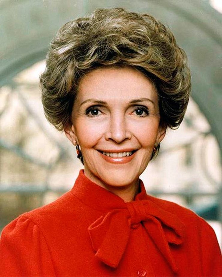 Первая леди Нэнси Рейган