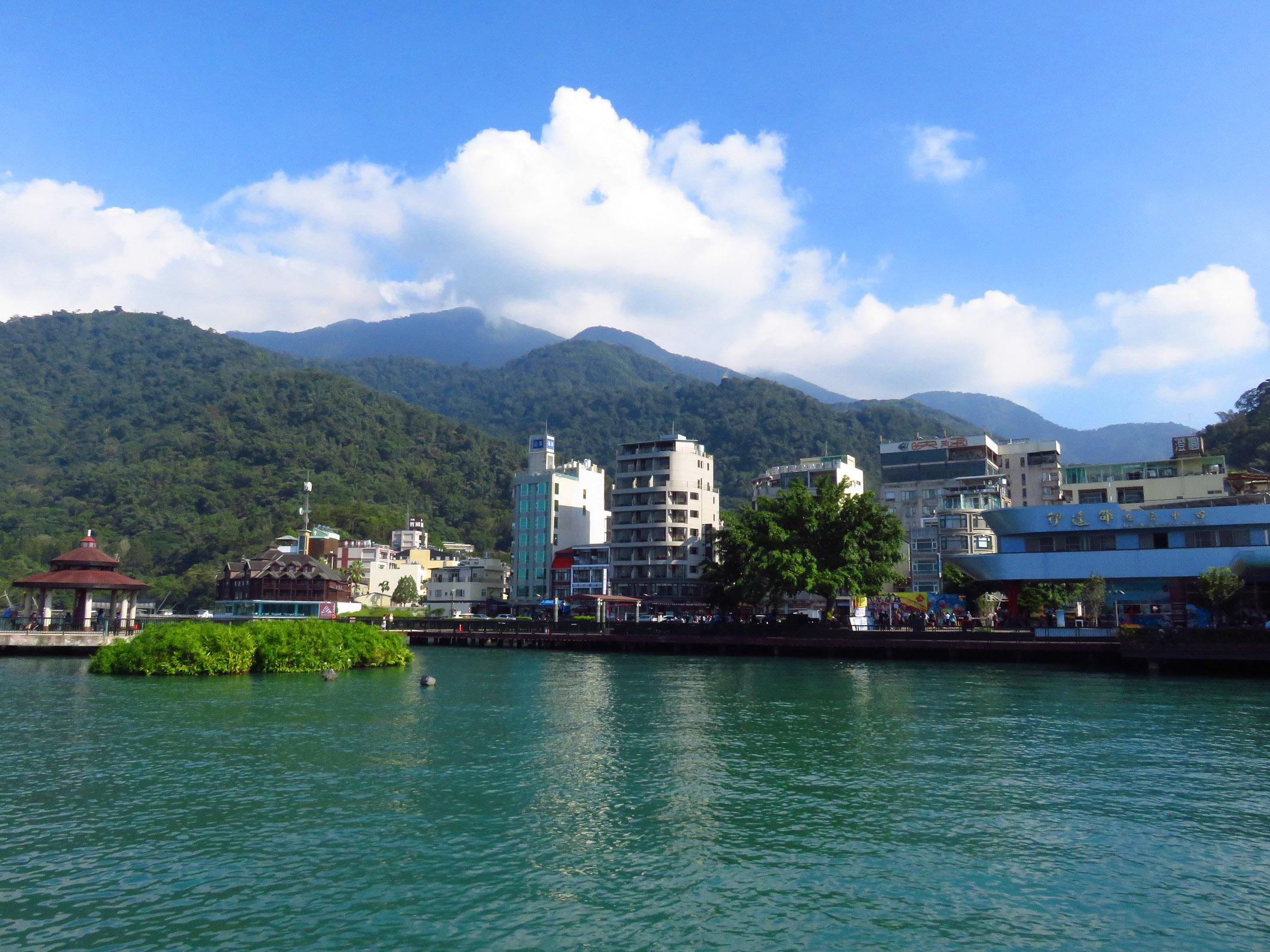 4. Sun Moon Lake
