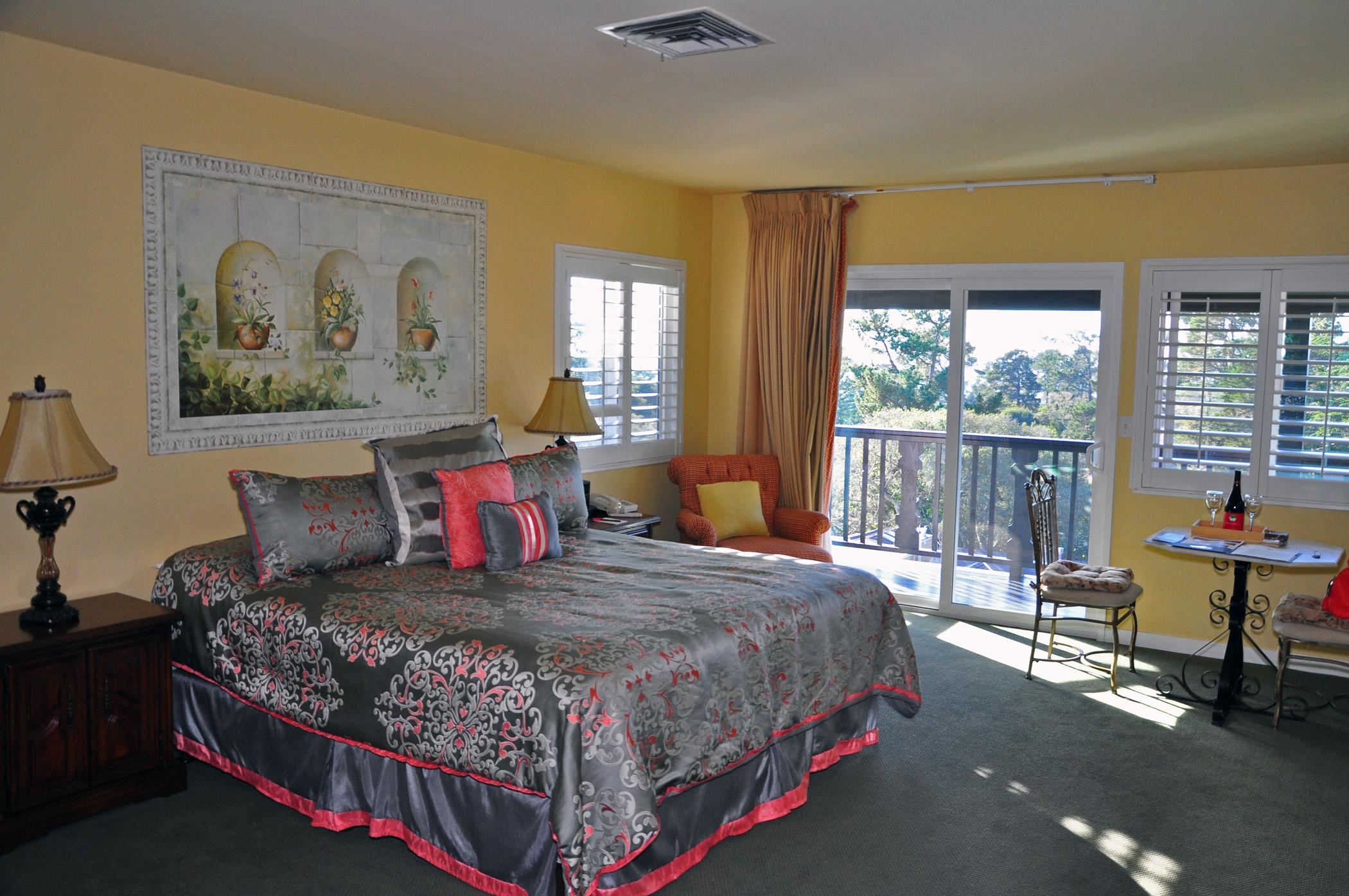 2. Hofsas House bed